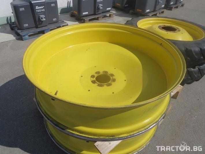 Гуми за трактори JOHN DEERE 2 - Трактор БГ
